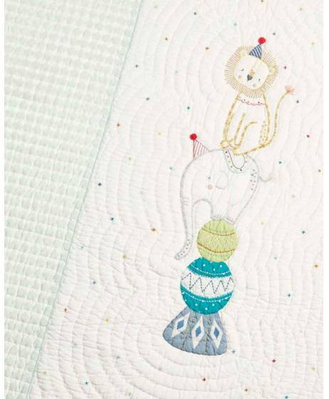 Big Top Tales 1.5 Tog Coverlet